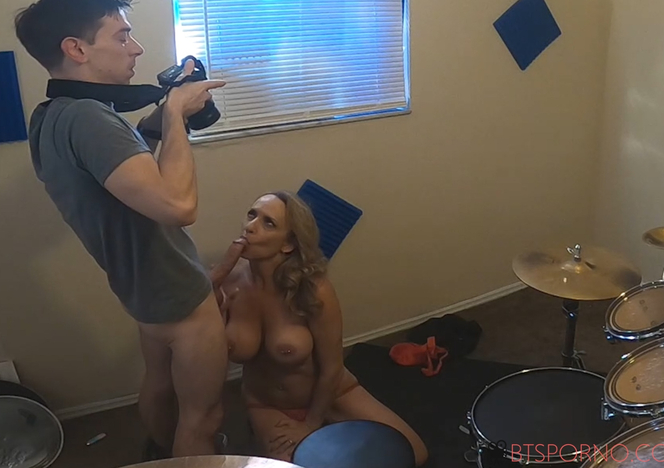 Behind_The_Scenes_Blowjob_With_Kenzi_Foxx