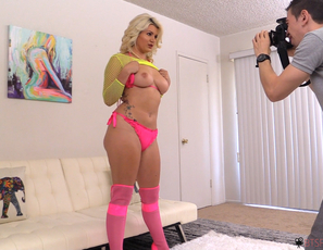 Behind_The_Scenes_With_Layla_Price